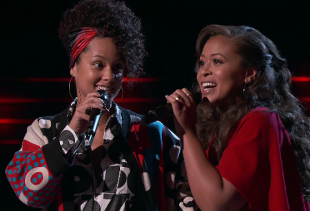 "Alicia Keys joins singing contestant Felicia Temple during Monday's season premiere of The Voice to sing her classic hit, ""Fallin'."""