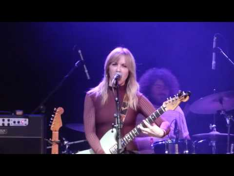 Liz Phair joins Best Coast onstage at Planned Parenthood benefit in Los Angeles