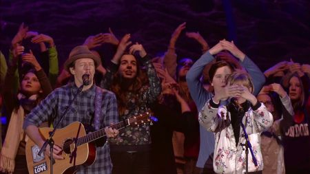 ICYMI: Grace VanderWaal and Jason Mraz perform 'I Won't Give Up' at the Special Olympics opening ceremony and it's so in