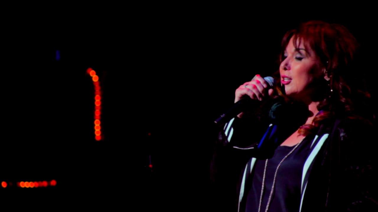 Ann Wilson extends 2017 US solo tour