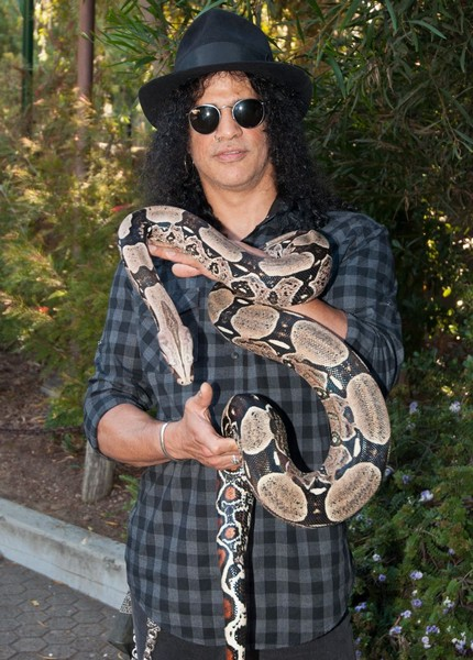 Slash will be making is VR performance debut next month during thethe Greater Los Angeles Zoo Association's 2017 Beastly Ball.