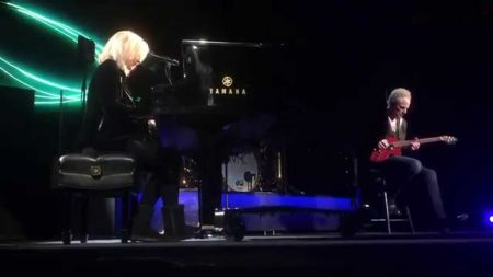 Lindsey Buckingham & Christine McVie confirm details for US tour and debut album