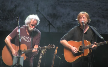 Trey Anastasio joined Bob Weir on stage at Wanee Festival on Saturday night to cover a handful of Phish and Dead tunes, in addition to Lady