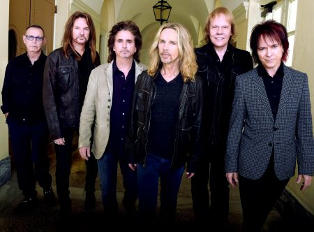 "Styx 2017:  Chuck Panozzo, Ricky Phillips, Todd Sucherman, Tommy Shaw, James ""J.Y."" Young, and Lawrence Gowan."