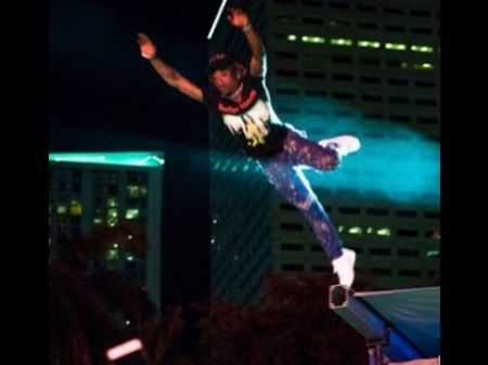Lil Uzi Vert jumps into crowd at Rolling Loud festival