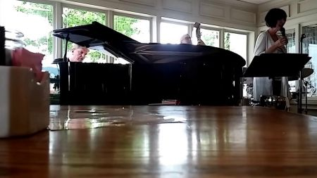 Janette West Quartet holds onto sweetest notes for Sunday Jazz at Hotel Bellwether