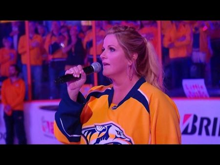 Yearwood sings American anthem prior to Predators playoff game