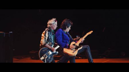 Ron Wood healing from lung surgery ahead of Rolling Stones tour of Europe