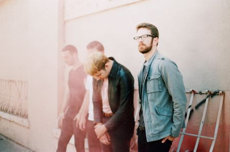 Listen to Beachwood Coyotes' excellent new single 'Face to Face'