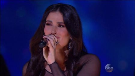 Idina Menzel bringing 2017 World Tour to Verizon Theatre in Dallas