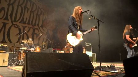 top 10 best songs by blackberry smoke axs. Black Bedroom Furniture Sets. Home Design Ideas