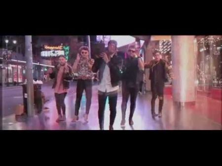 Los 5 hits up Hollywood Boulevard in 'Satisfaction' music video