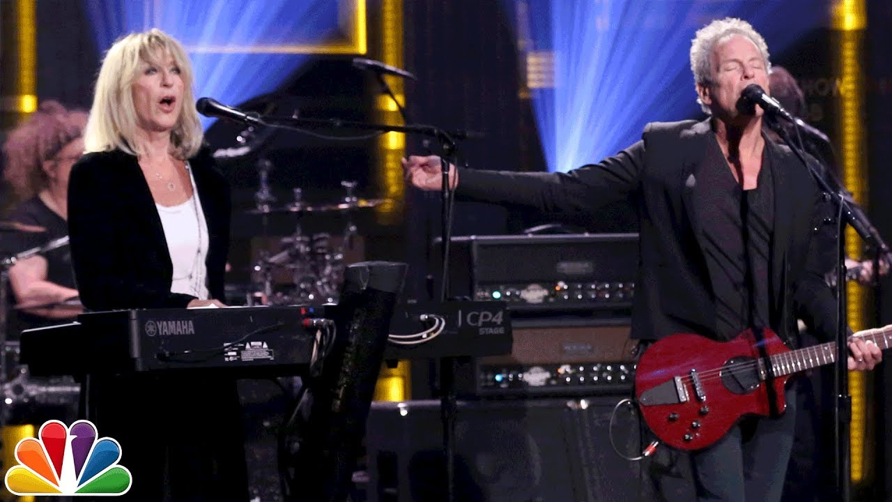 Lindsey Buckingham & Christine McVie perform 'In My World' on 'The Tonight Show'