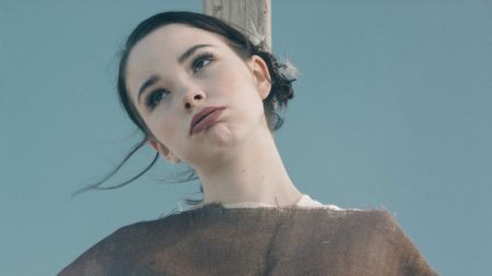The Regrettes release music video for 'Seashore'