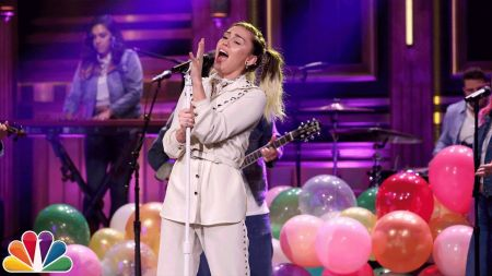 Watch: Miley Cyrus dazzles with 'Malibu' and 'Inspired' performances on 'The Tonight Show'