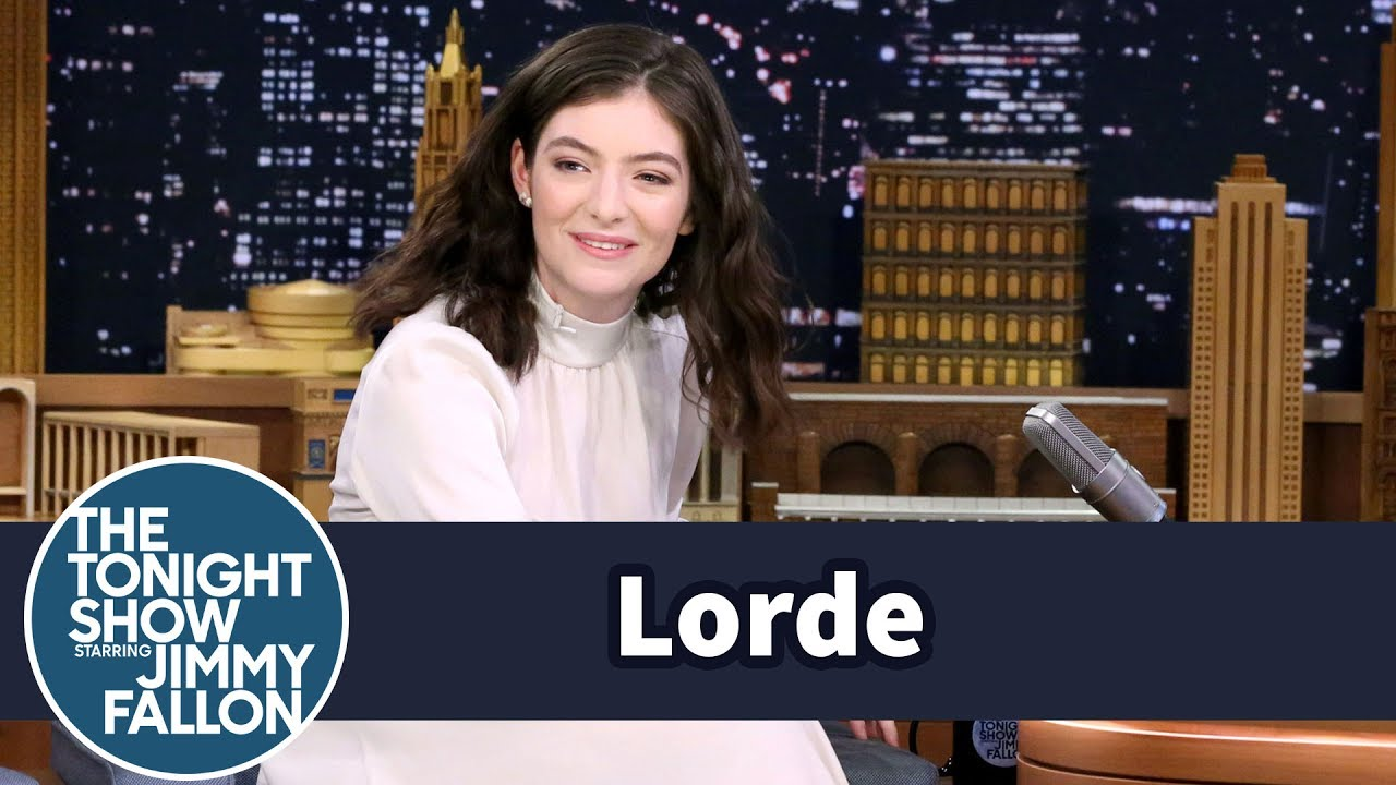 Watch: Lorde admits she secretly reviewed onion rings on Instagram