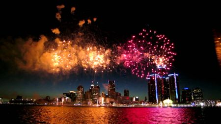 Complete guide to July 4th in Detroit 2017