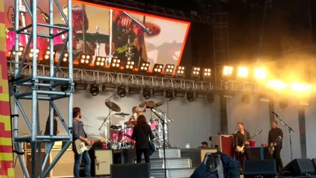 Watch Dave Grohl's daughter play drums with Foo Fighters in front of 20,000 people