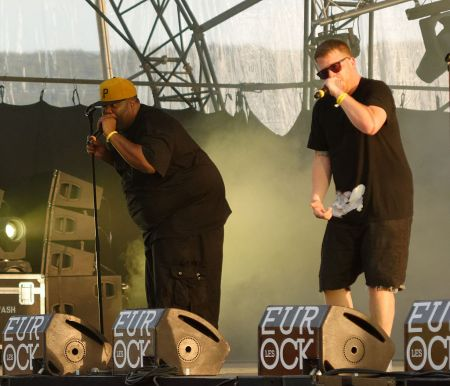 Run The Jewels dedicate Glastonbury performance to Grenfell Tower victims and Killer Mike's late-mother