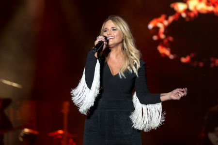 Miranda Lambert performs live at Chicago LakeShake 2017