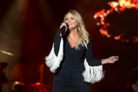 Miranda Lambert performs live at Chicago LakeShake 2017