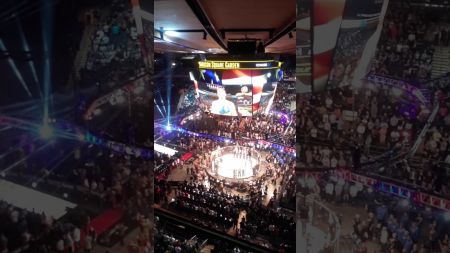 Video: Dave Navarro delivers incredible rendition of National Anthem during Bellator NYC