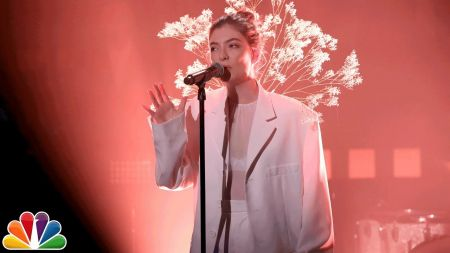 Lorde's 'Melodrama' debuts at No. 1 on Top 200 Albums