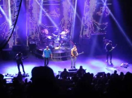 Review: 311 introduces new music in intimate show at The Fillmore