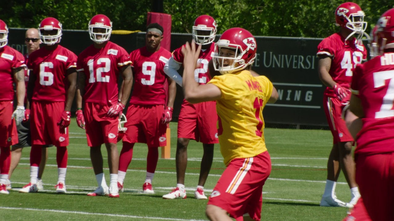 The three best moves and the worst one made by the Kansas City Chiefs in the 2017 offseason