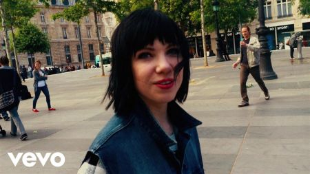 Listen: Carly Rae Jepsen details her summer playlist in 'ELLE' interview