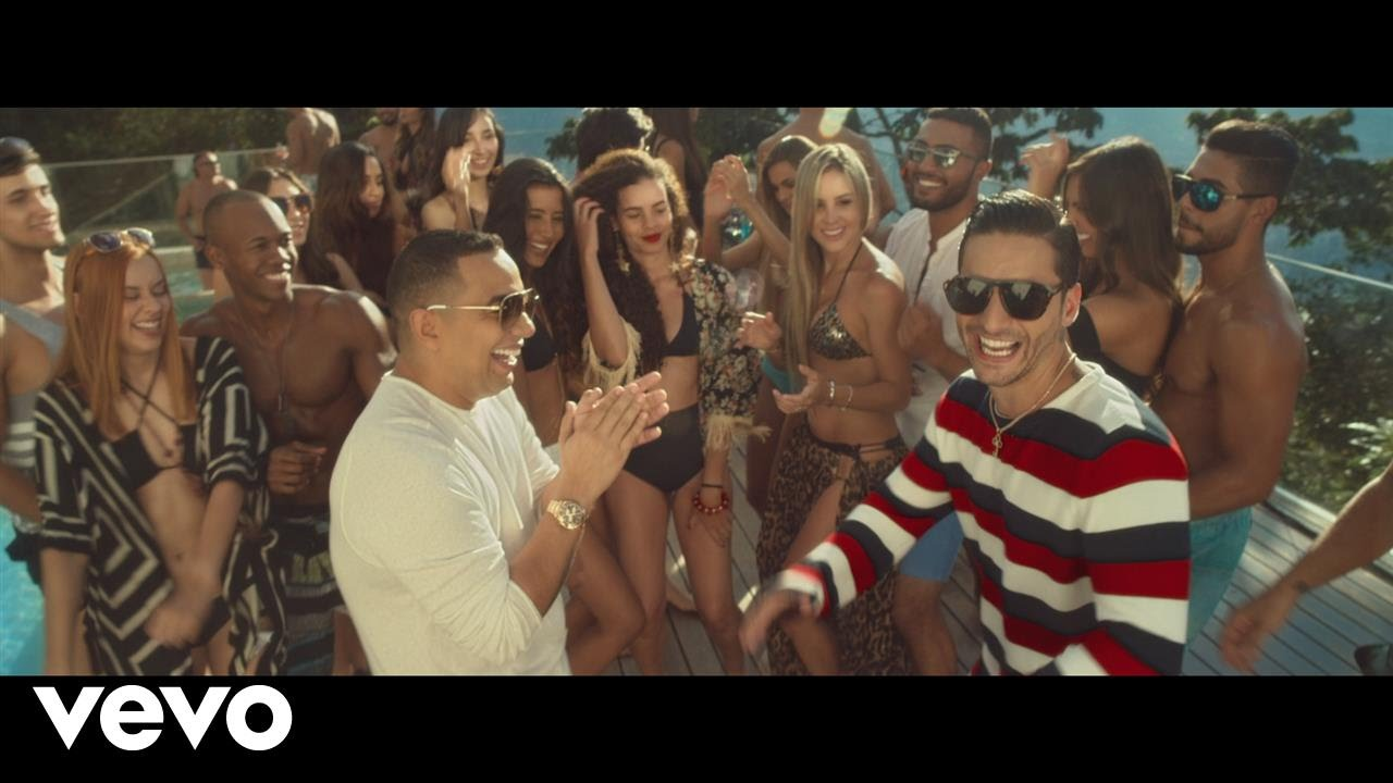 Felipe Peláez parties with Maluma in 'Vivo Pensando En Ti' music video