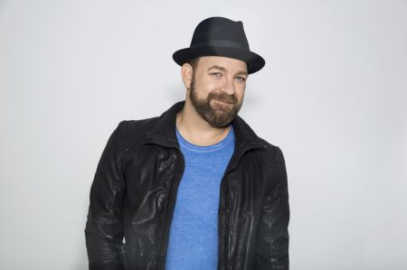 Interview: Kristian Bush Discusses Infectious New Single, 'Sing Along'