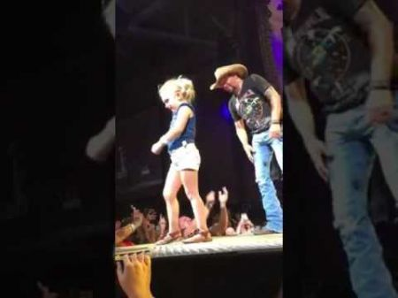 Watch Jason Aldean rock out with a four-year-old girl at Charlotte concert