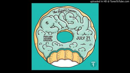 Phish opens up Baker's Dozen with donut flavor themed debuts,13-night residency continues