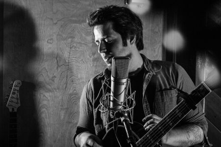 Interview: Lee DeWyze discusses new single, 'The Breakdown' and touring