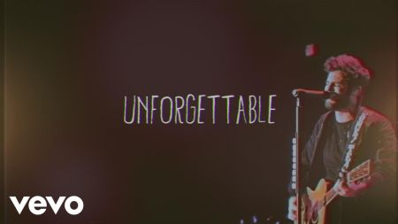 Thomas Rhett releases video 'Unforgettable' with cute family movies
