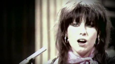 Tonight on AXS TV: 'Rock Legends' delves into The Pretenders' iconic career