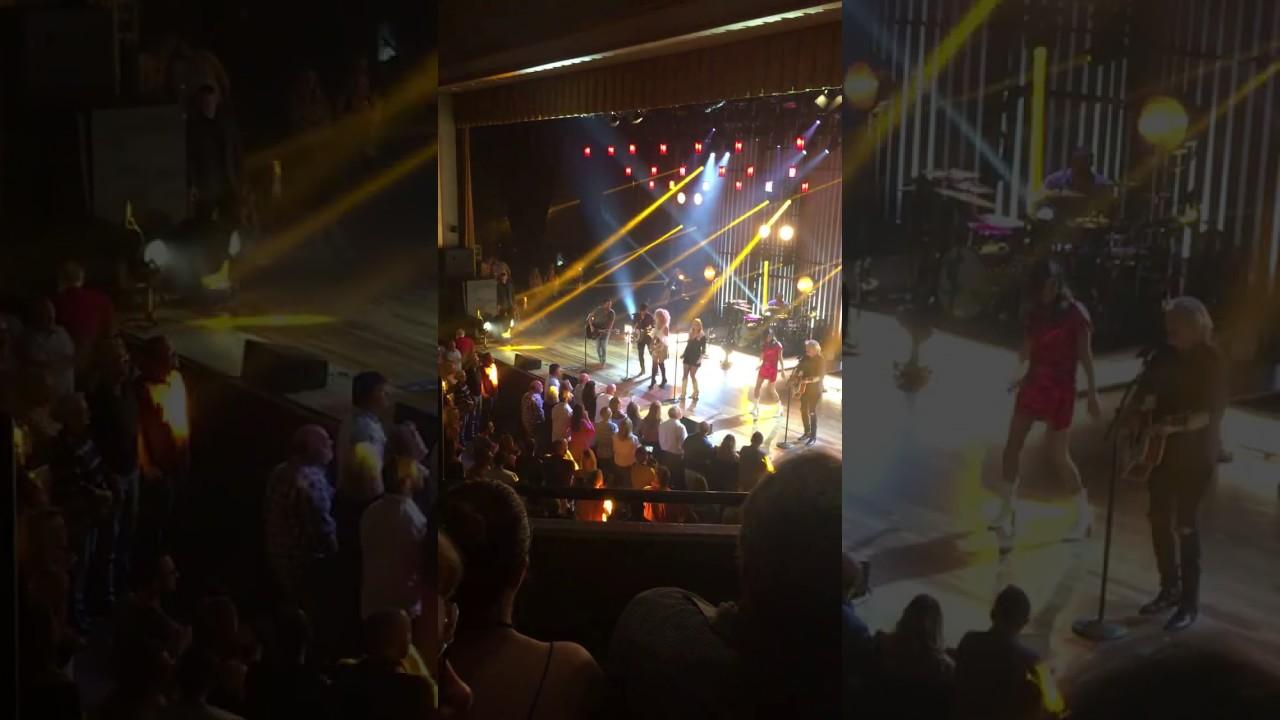Watch Miranda Lambert and Little Big Town sing 'Goodbye Earl' at the Ryman