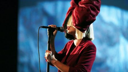 Sia will release a Christmas album this year.