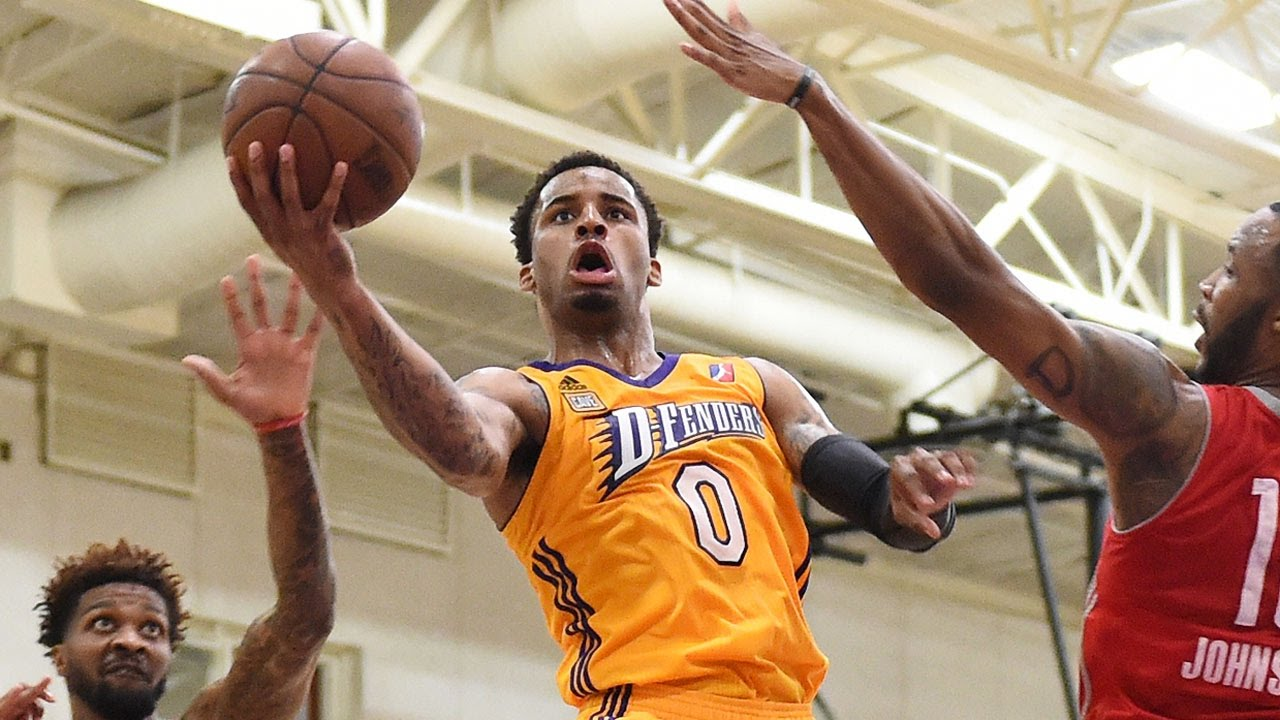 Los Angeles Lakers sign guard Vander Blue