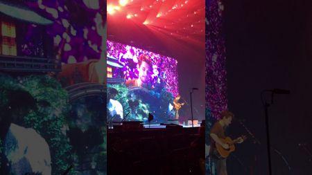 John Mayer pays tribute to Glen Campbell at Nashville concert
