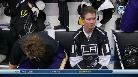 Los Angeles Kings have an all-city beach day