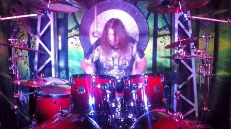Interview: Talking drum skills and new album with master drummer Lonnie Hammer from EMN (part one)