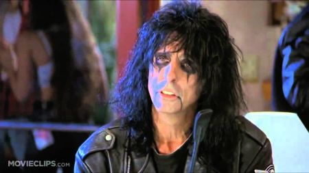 Alice Cooper to appear at 'Wayne's World' screening in Chicago