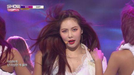 HyunA debuts new song 'Dart' live on 'Show Champion'