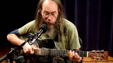 'Dog' by Charlie Parr showcases his talent as a guitar picker and songwriter