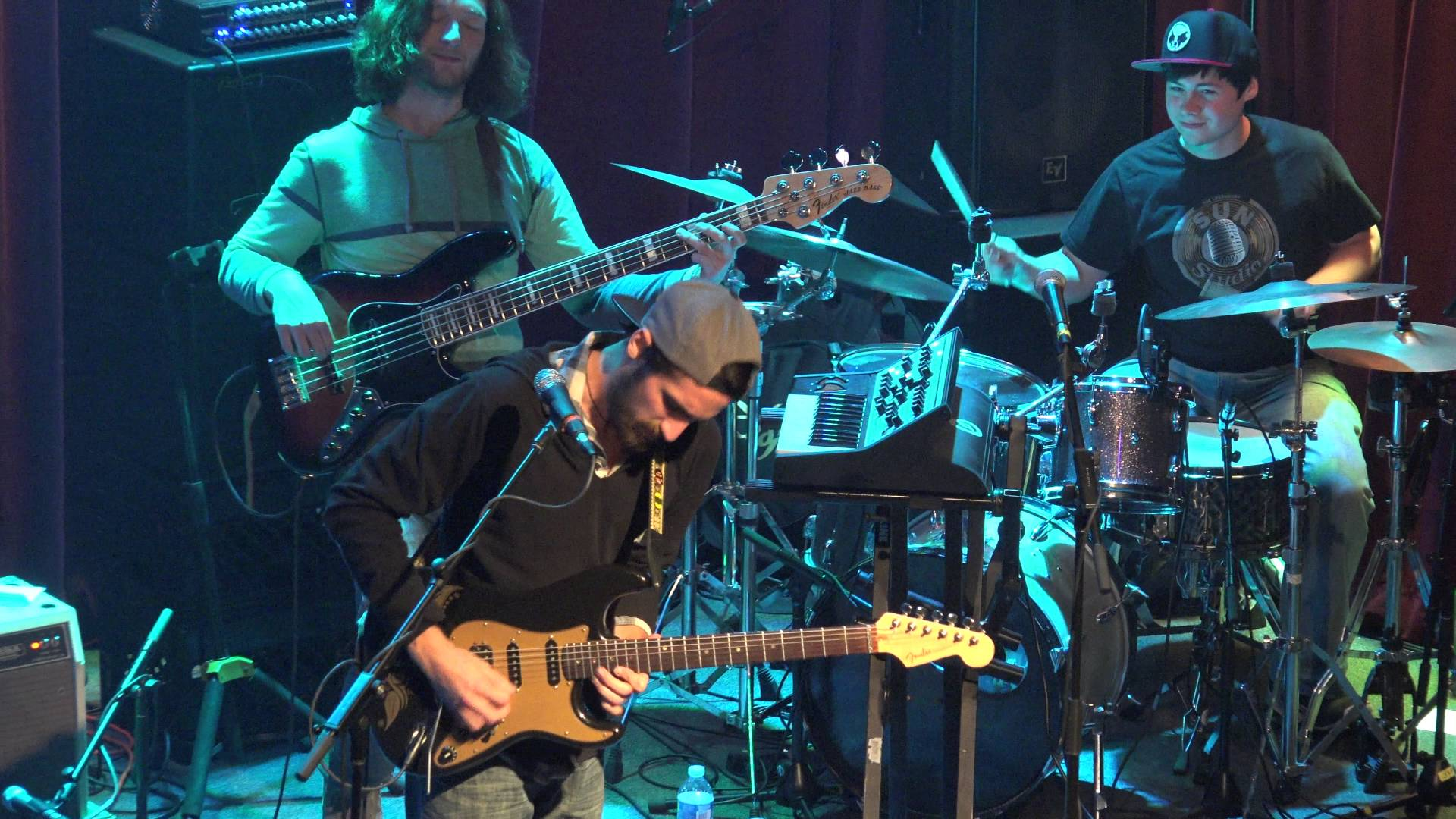 Groovy rockers Aqueous map out extensive fall tour
