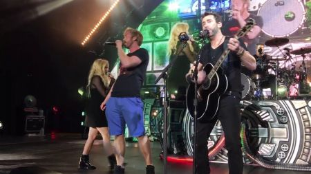 Avril Lavigne joins ex Chad Kroeger of Nickelback on stage for first performance in 3 years
