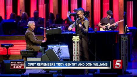 Public memorial to Troy Gentry to be live-streamed from Grand Ole Opry in Nashville