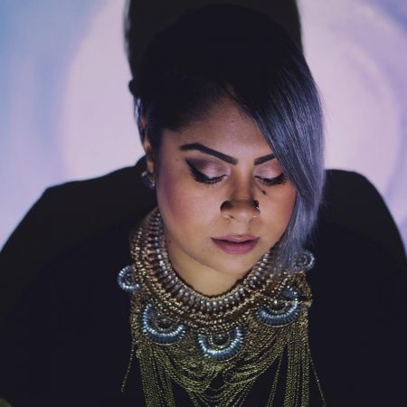 Indie-soul artist, APHROSE, premiere's her victory single 'The Middle'